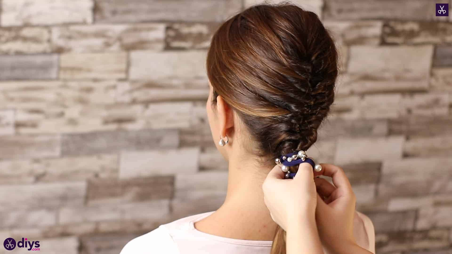 Beautiful and elegant hairstyle tutorial 52