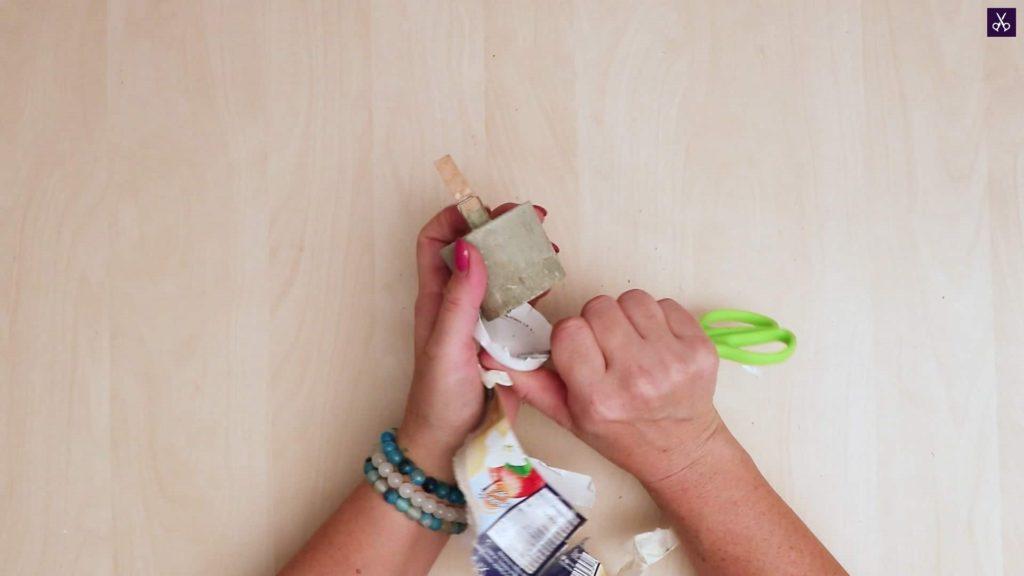Concrete card holder remove entire mold