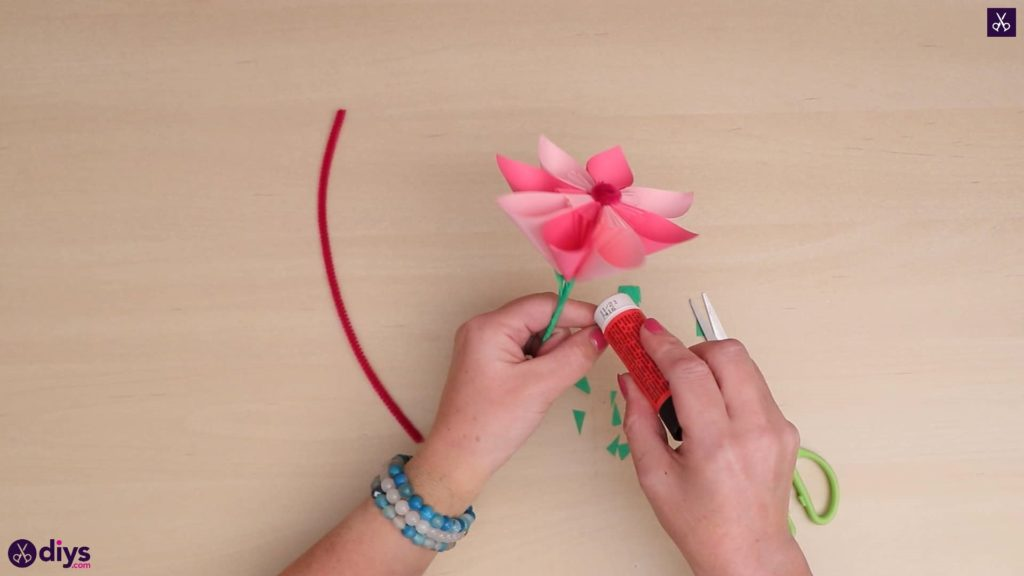Diy 3d paper flower attach