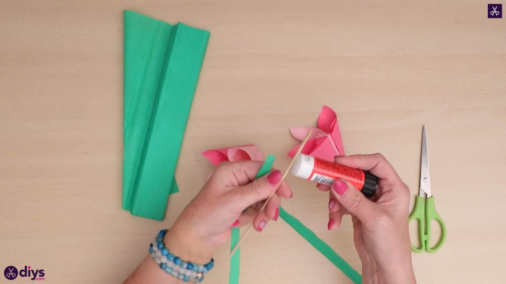 Diy 3d paper flower glue stick