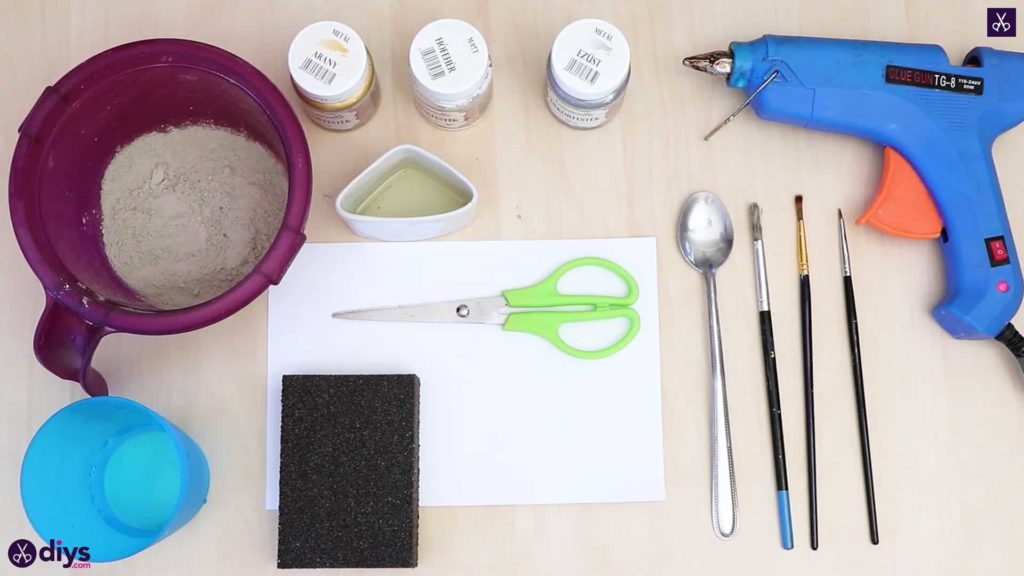 Diy concrete ring holder materials