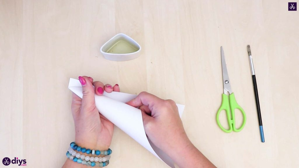 Diy concrete ring holder paper cone
