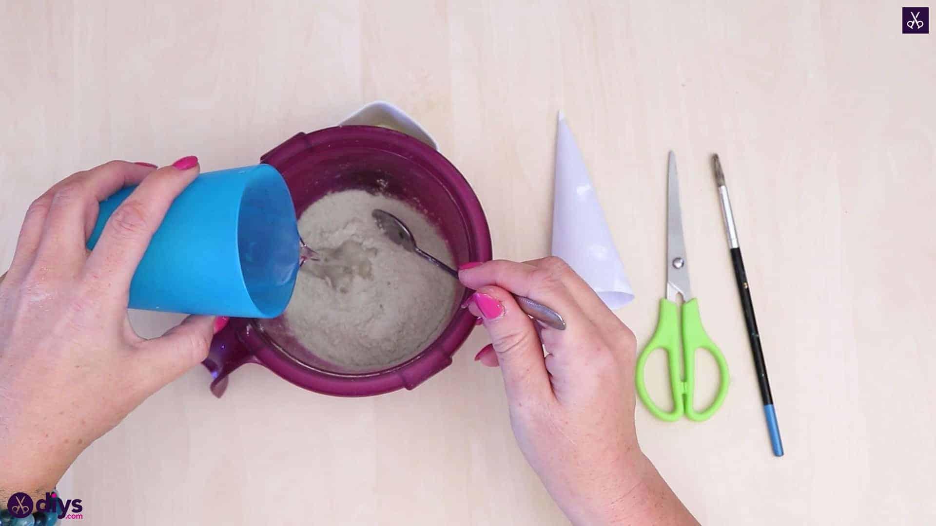 Diy concrete ring holder step 4
