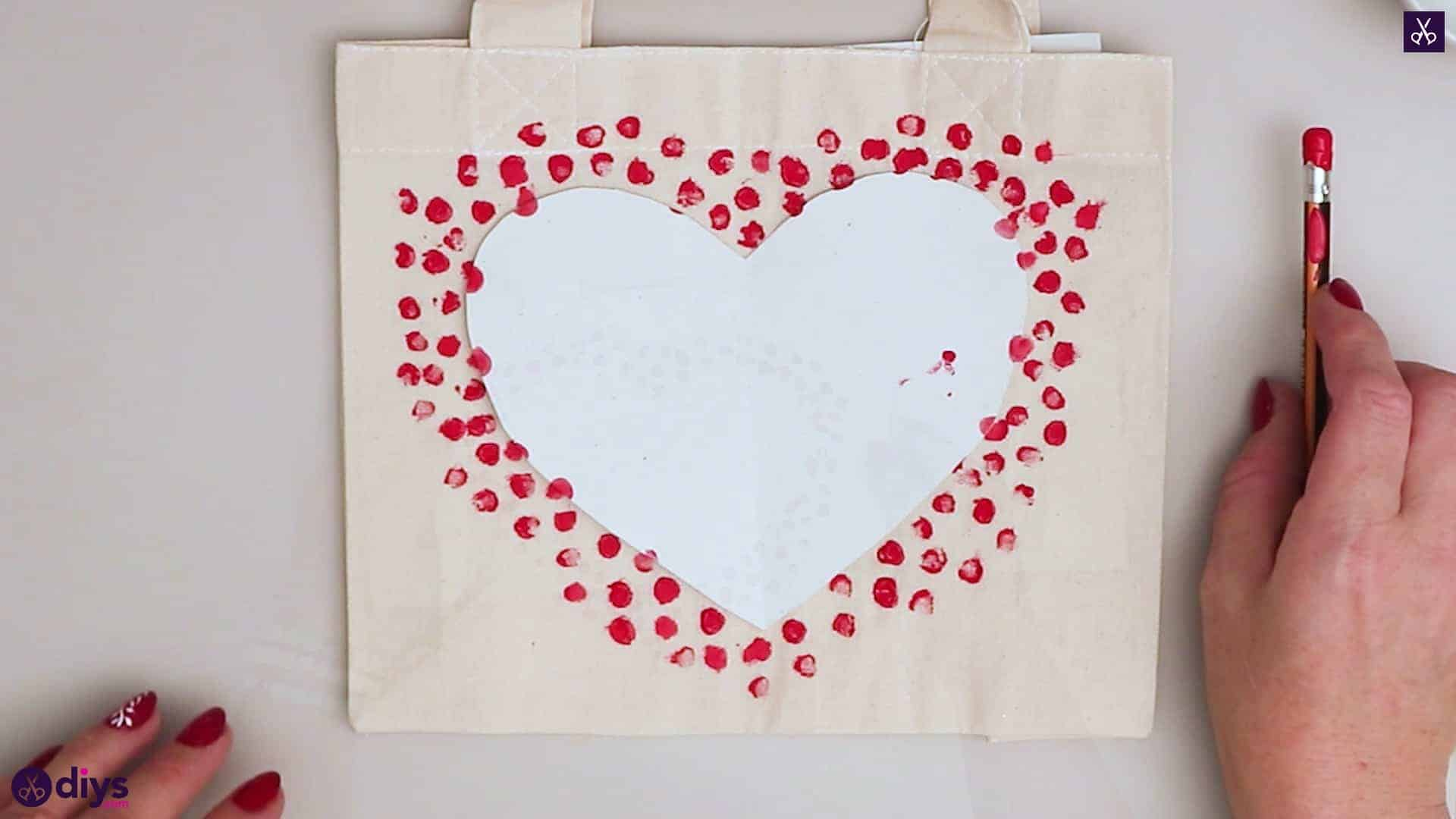 Diy heart tote bag decor