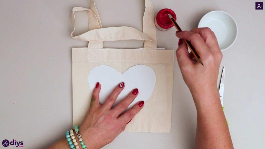 Diy heart tote bag prepare paint