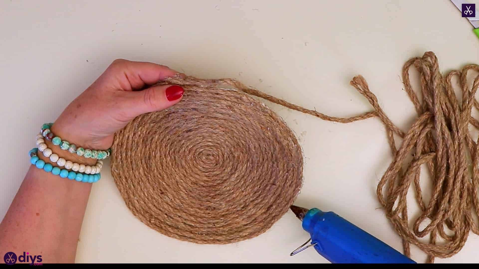 Diy round jute placemat step 4a