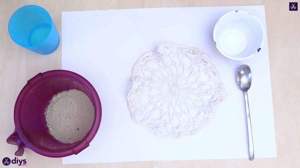 Diy simple concrete doily pot