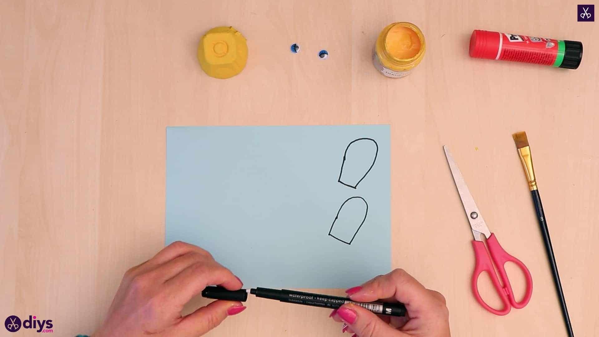 Egg carton bee draw