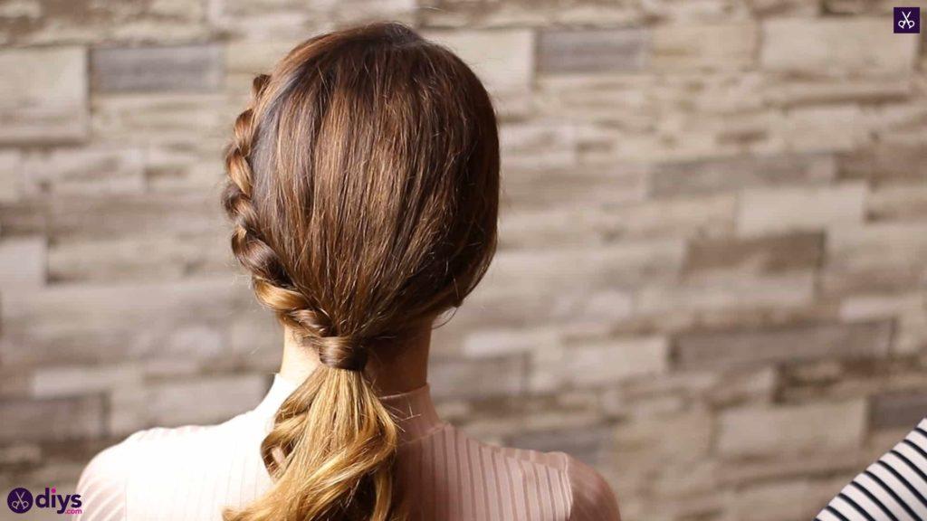 Elegant side braid hairstyle3