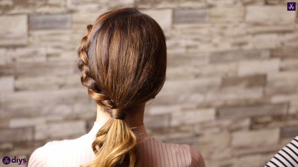 Elegant side braid hairstyle4