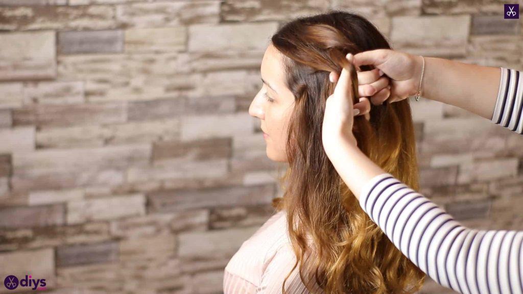 Elegant side braid hairstyle8