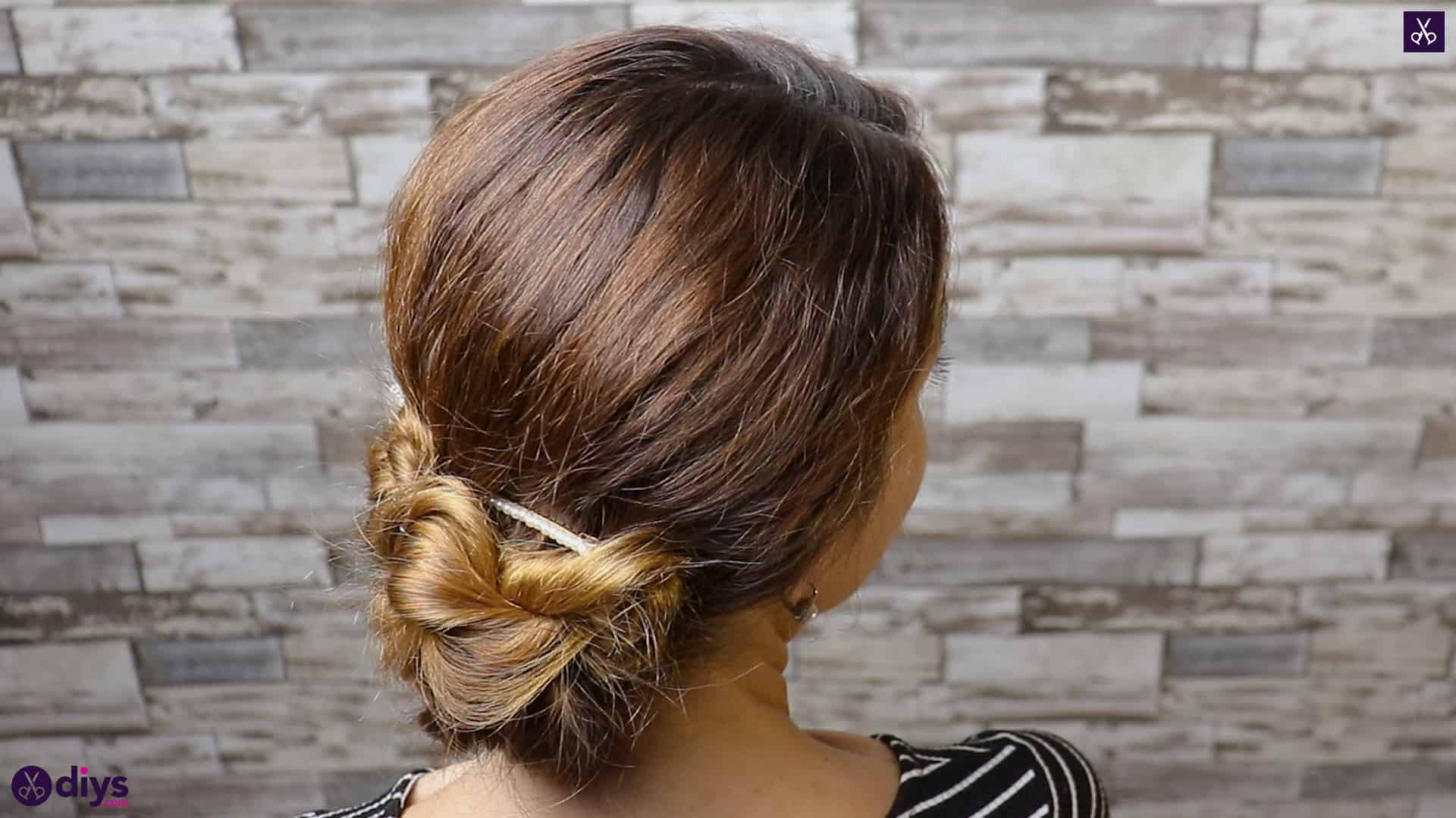 Elegant and easy wedding bun hairstyle for guests simple