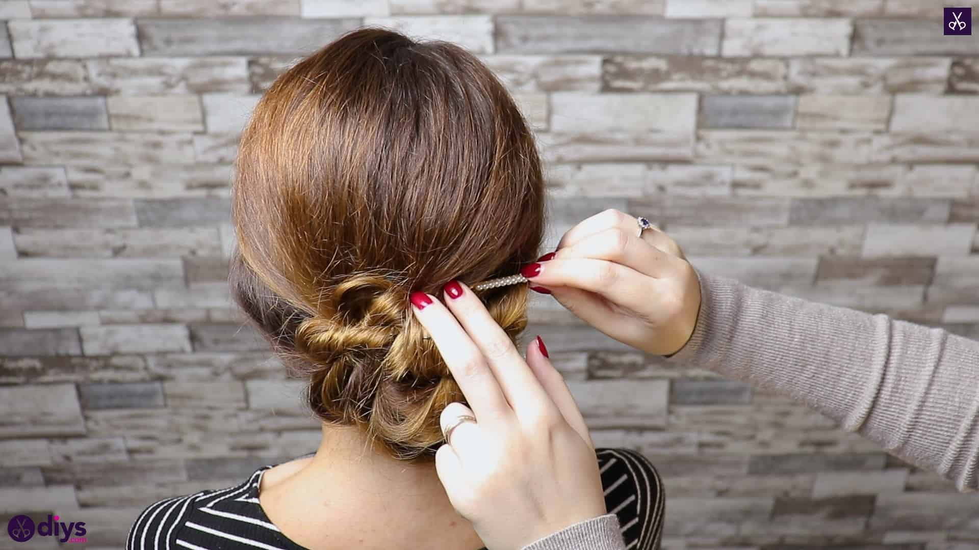 Elegant and easy wedding bun hairstyle for guests step 4