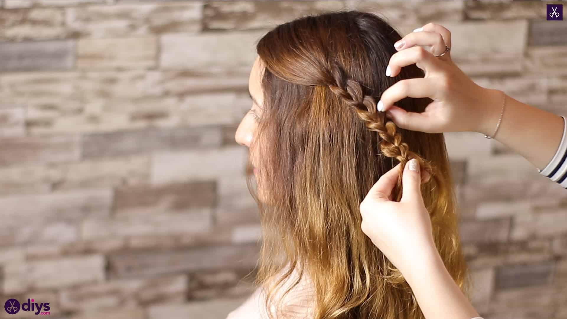 Half up, half down hairstyle for spring12