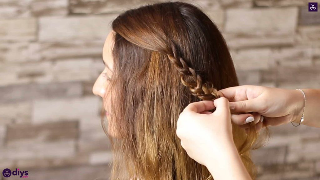 Half up, half down hairstyle for spring13