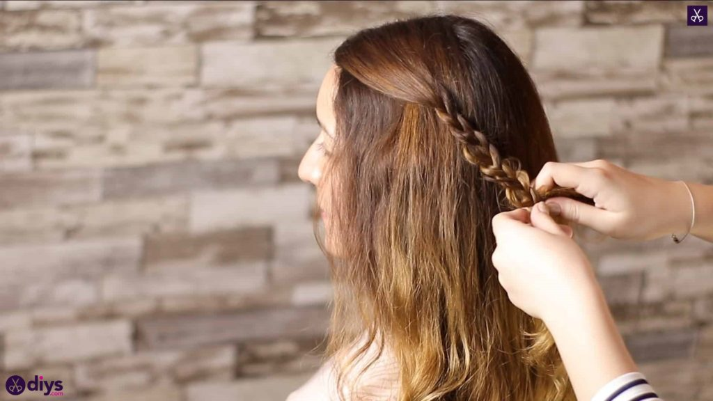 Half up, half down hairstyle for spring14