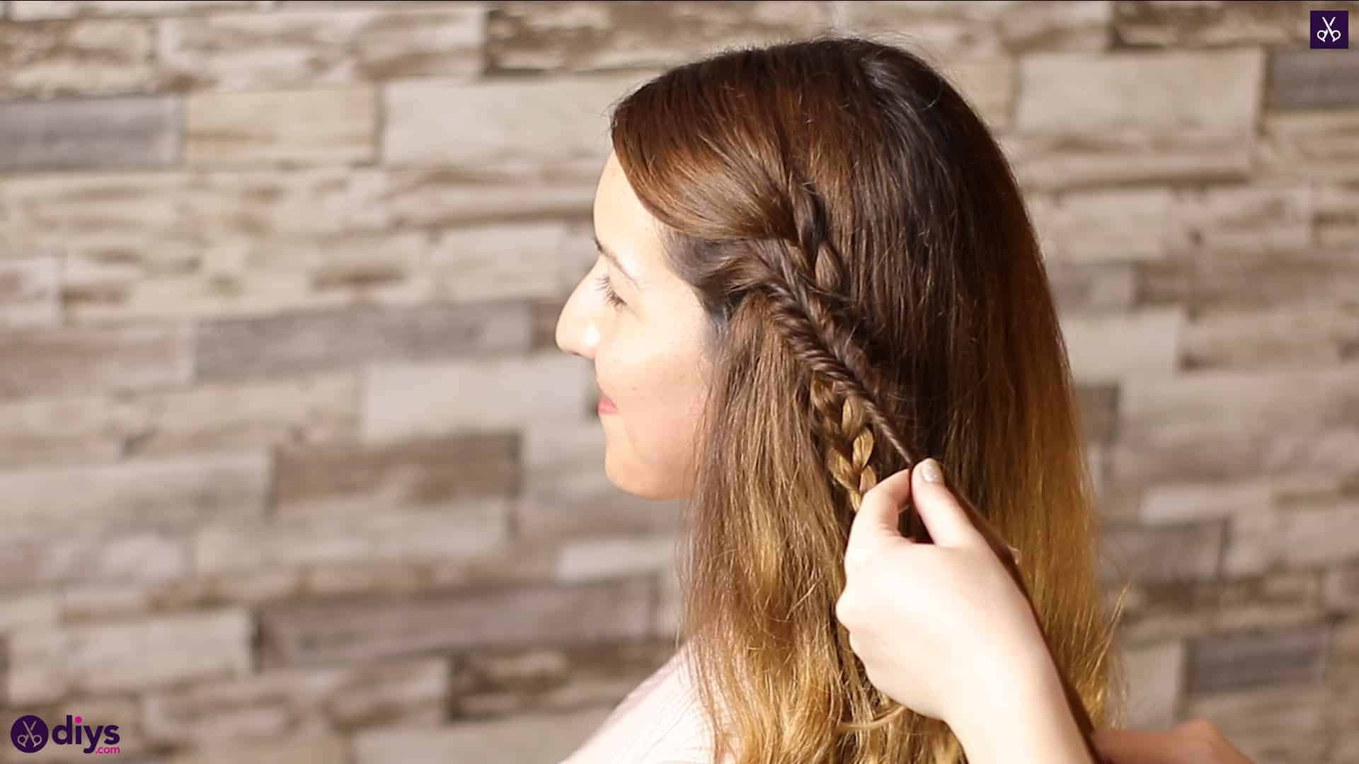 Half up, half down hairstyle for spring29