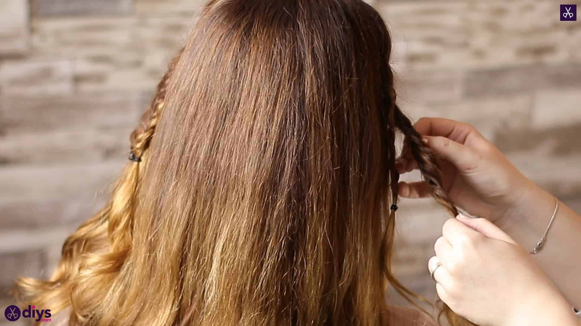 Half up, half down hairstyle for spring34