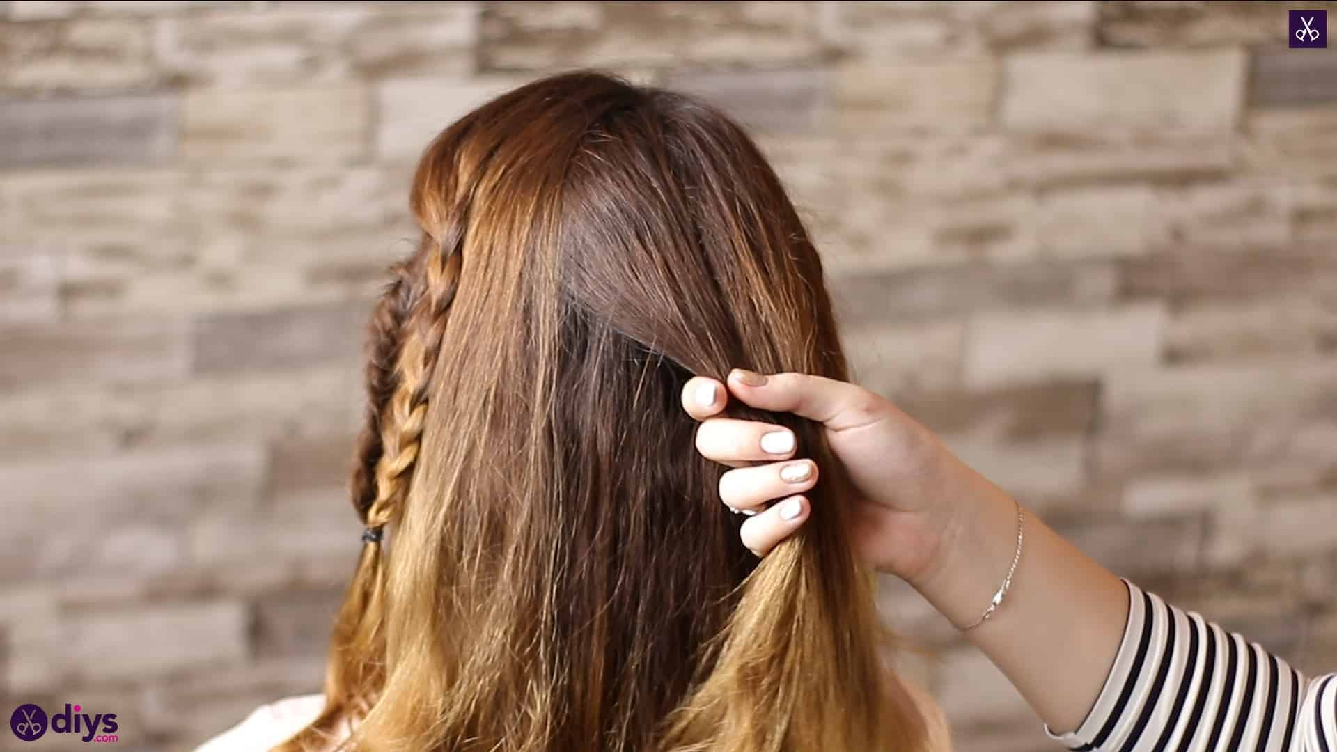 Half up, half down hairstyle for spring39