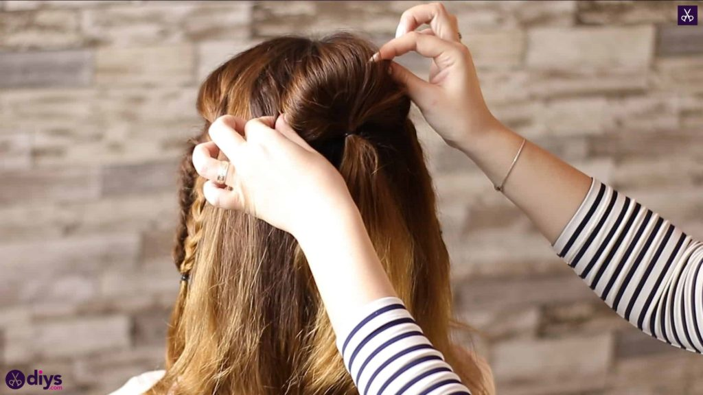 Half up, half down hairstyle for spring43
