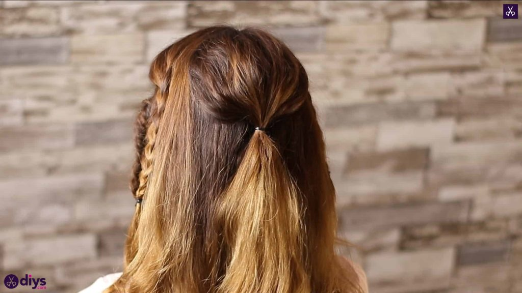 Half up, half down hairstyle for spring44
