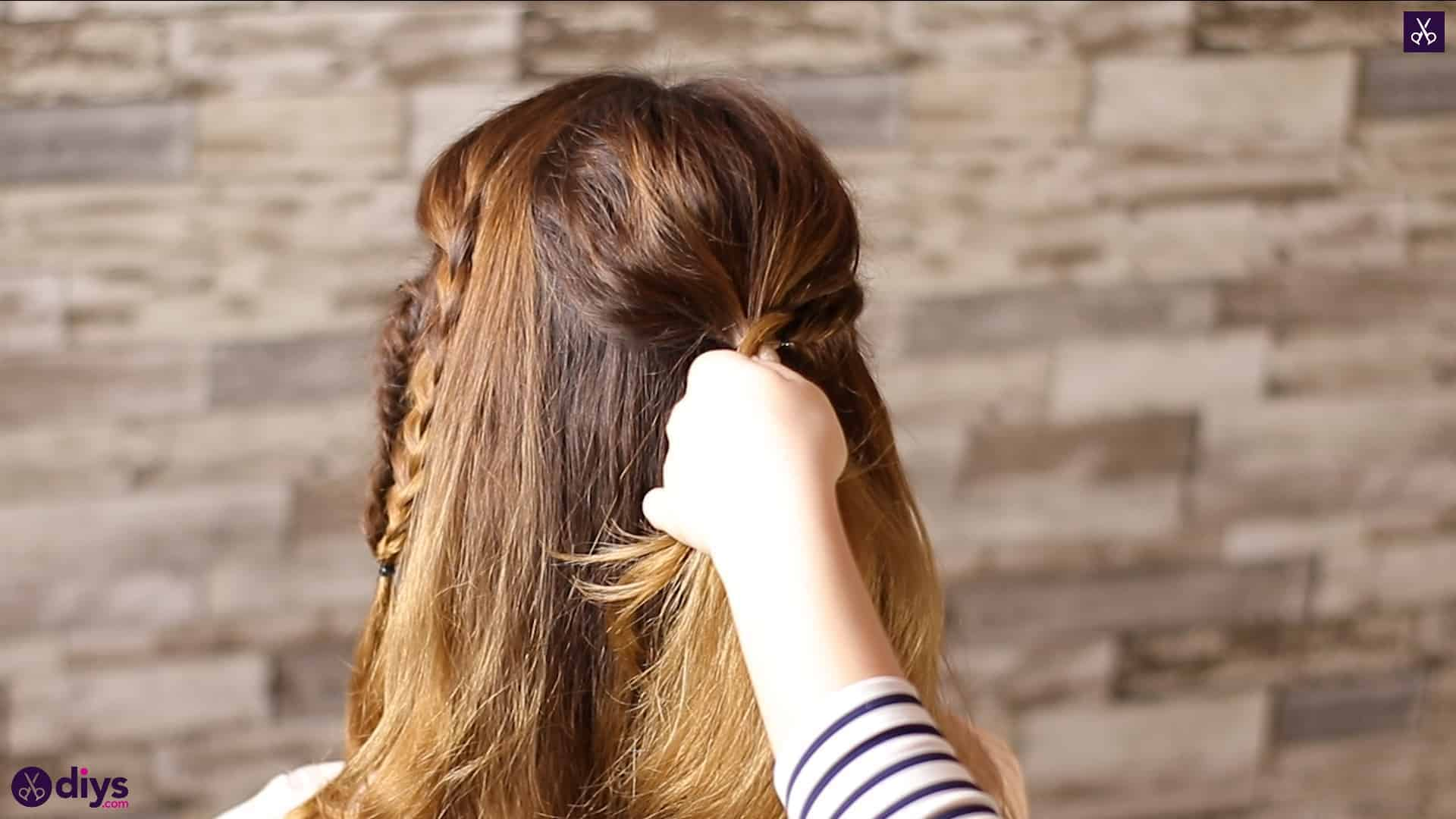 Half up, half down hairstyle for spring46