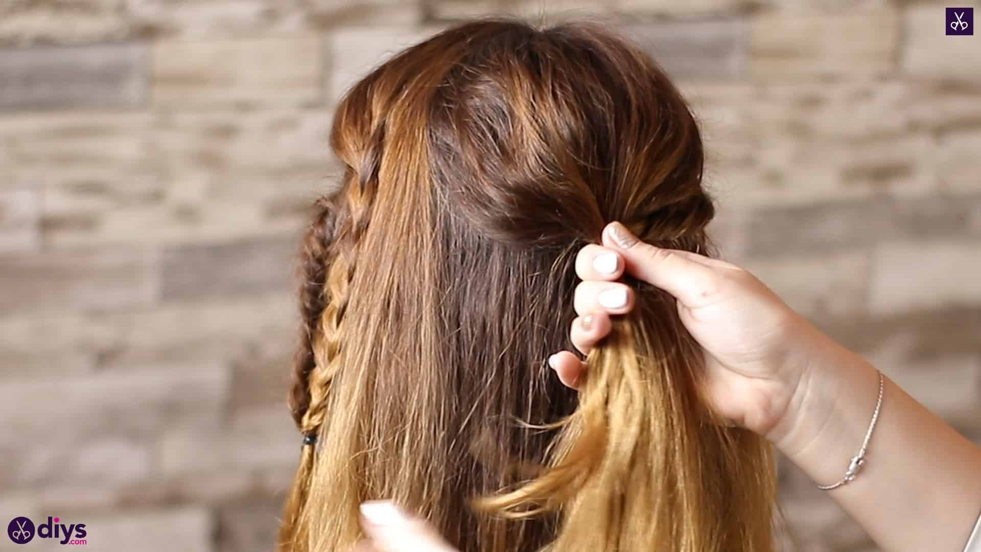 Half up, half down hairstyle for spring47