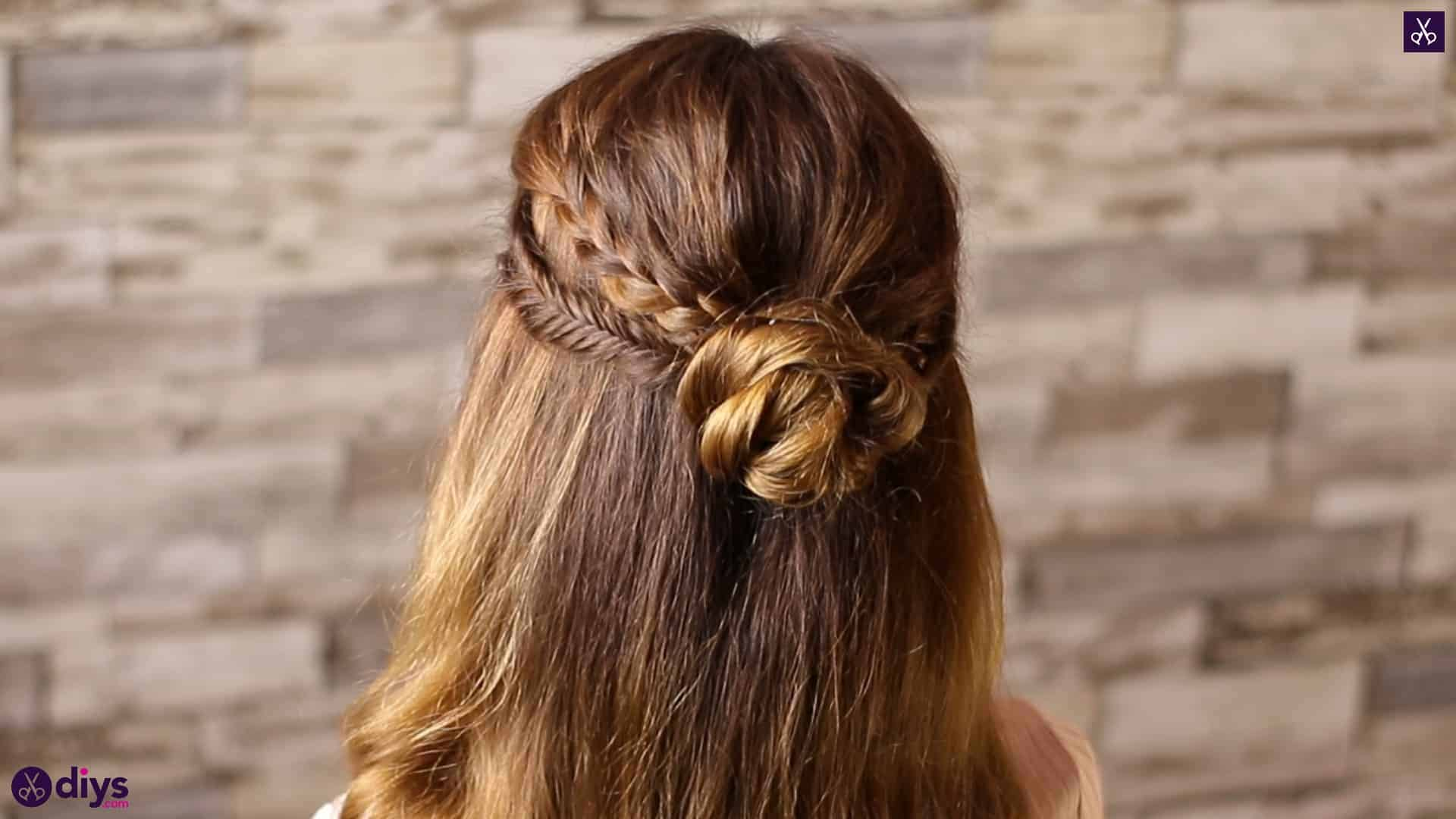 Half up, half down hairstyle for spring5