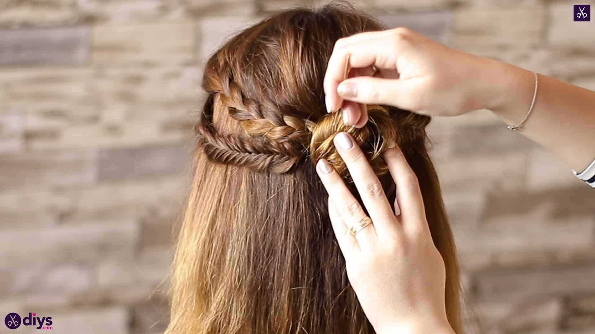 Half up, half down hairstyle for spring63