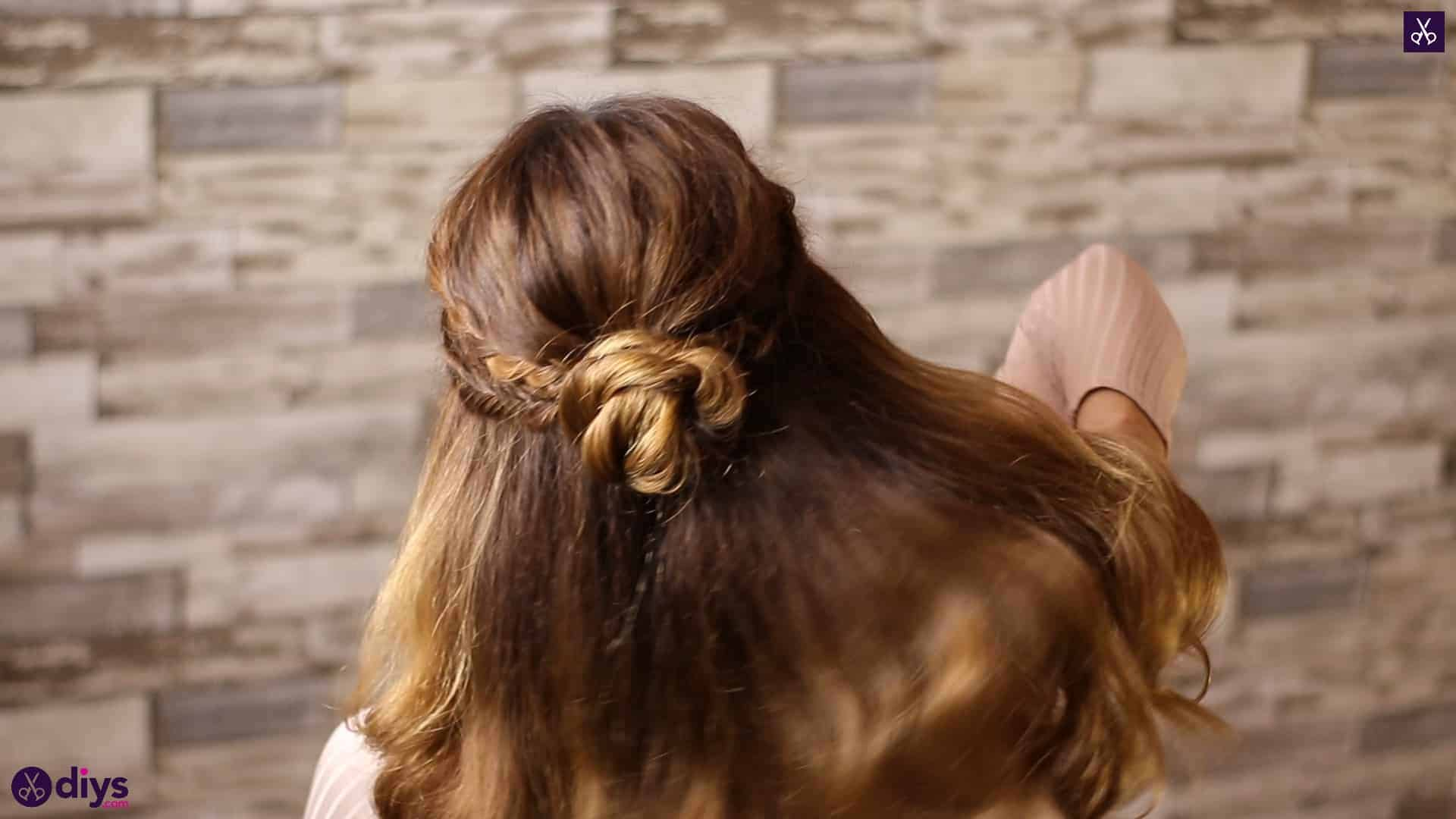 Half up, half down hairstyle for spring68