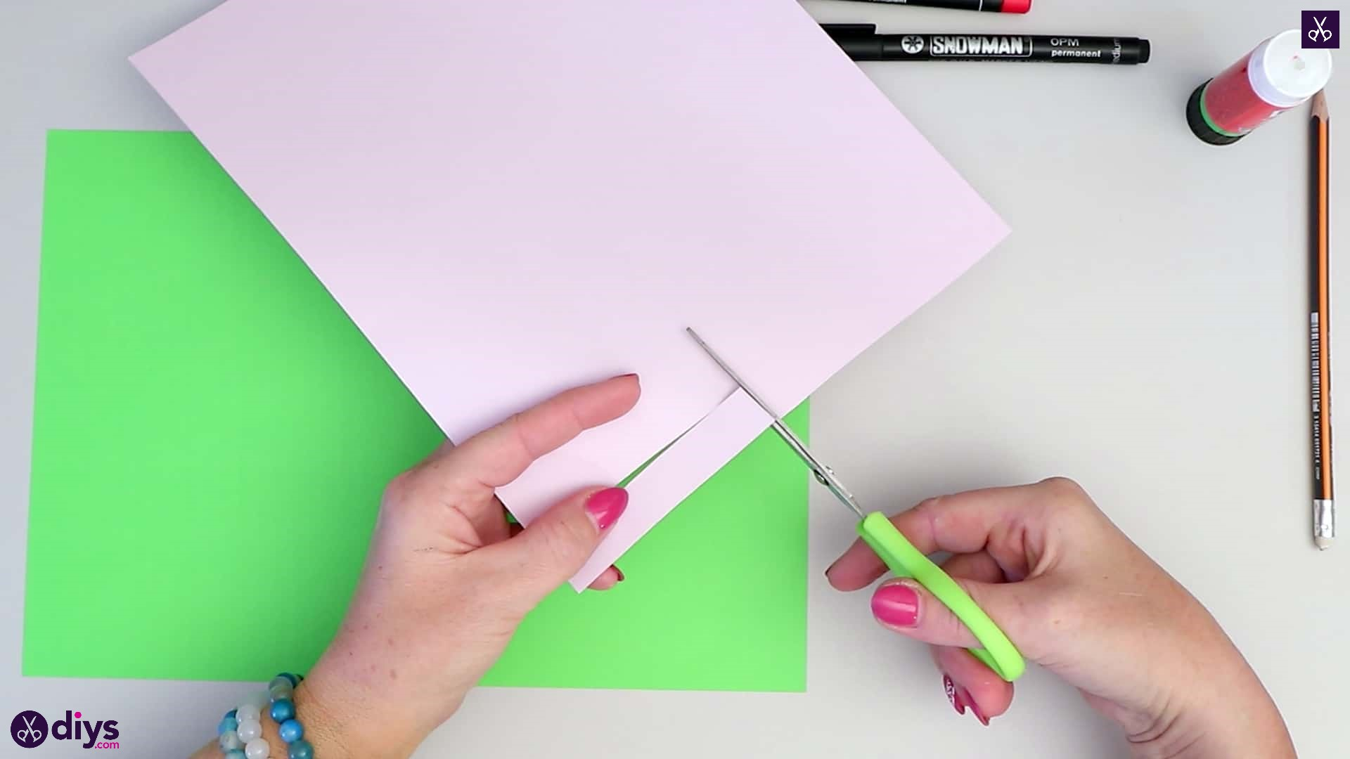 How to make paper frog cutting paper