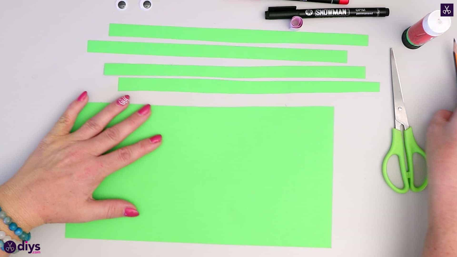 How to make paper frog cutting slices