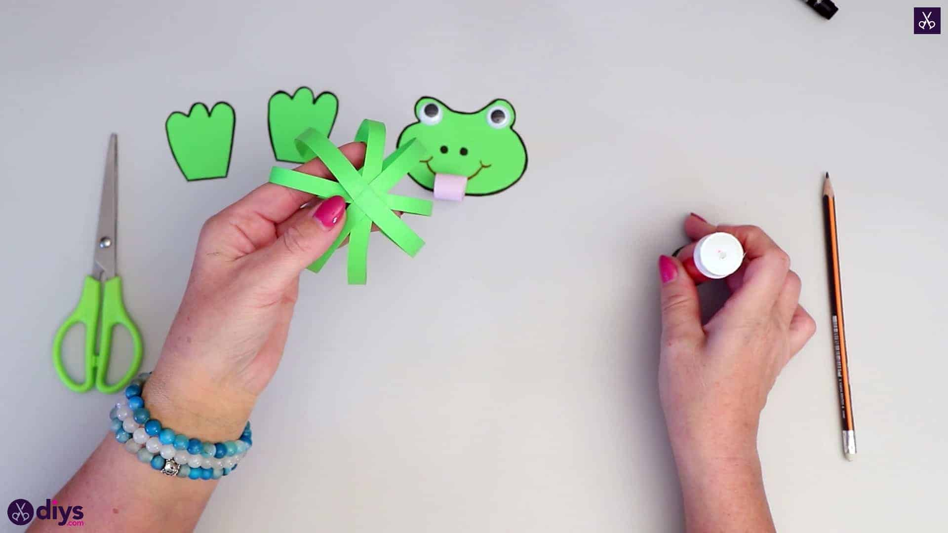How to make paper frog diy for kids