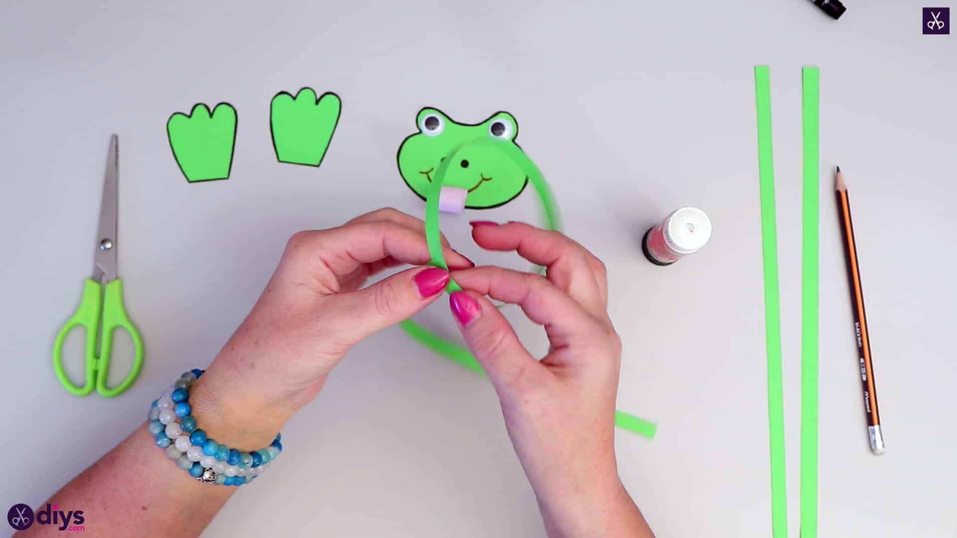 How to make paper frog for kids