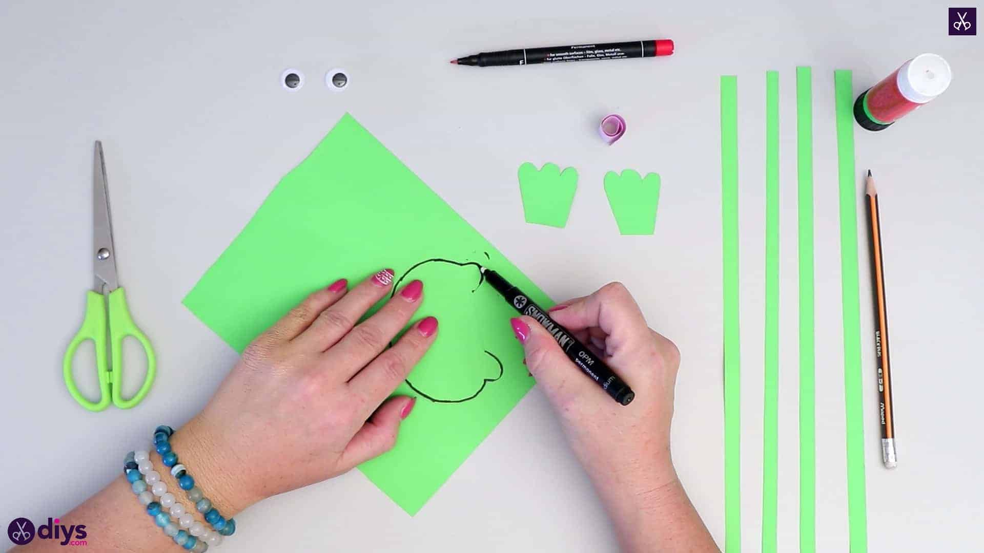 How to make paper frog marker