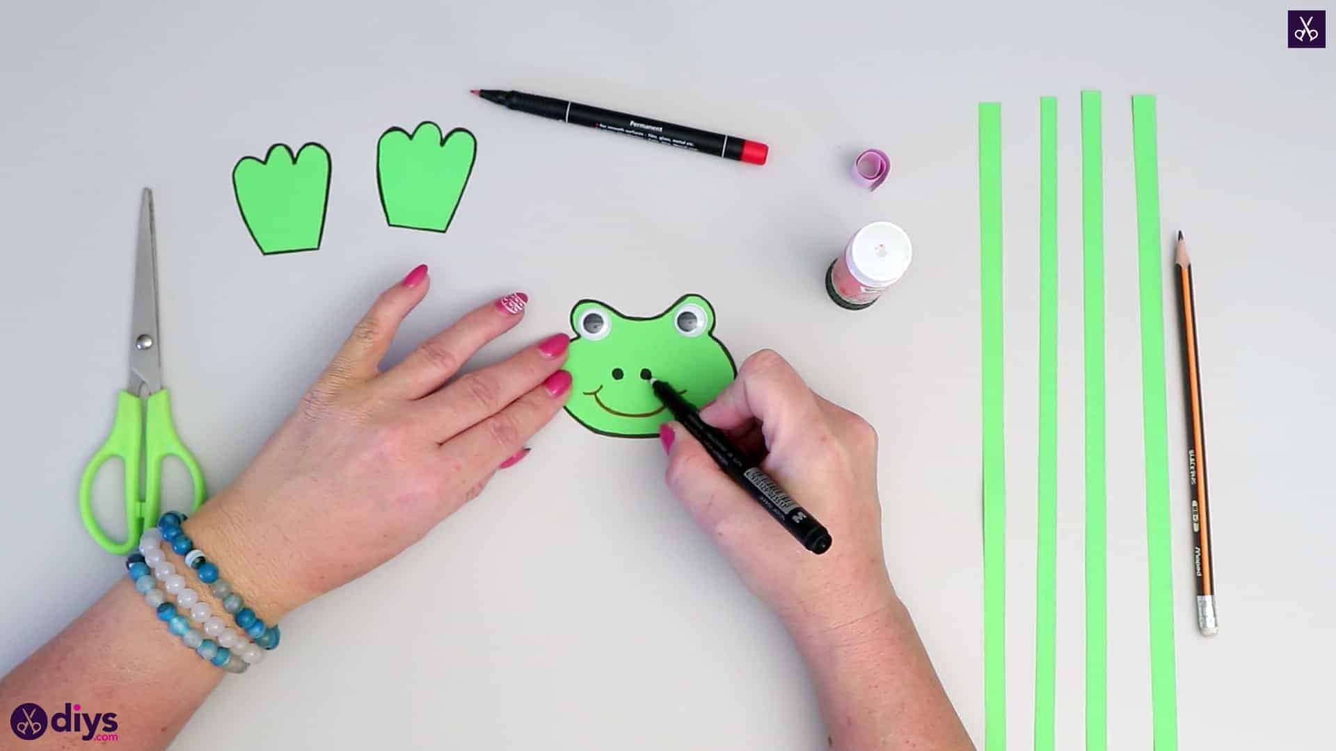 How to make paper frog nose