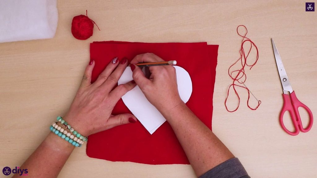 How to make a heart pillow 4