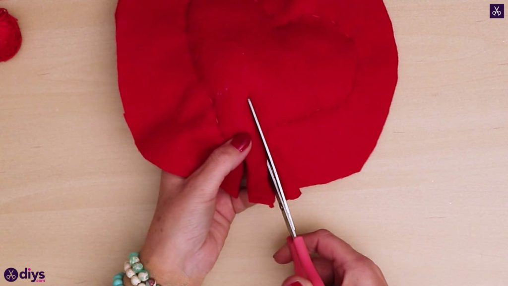 How to make a heart pillow 8a