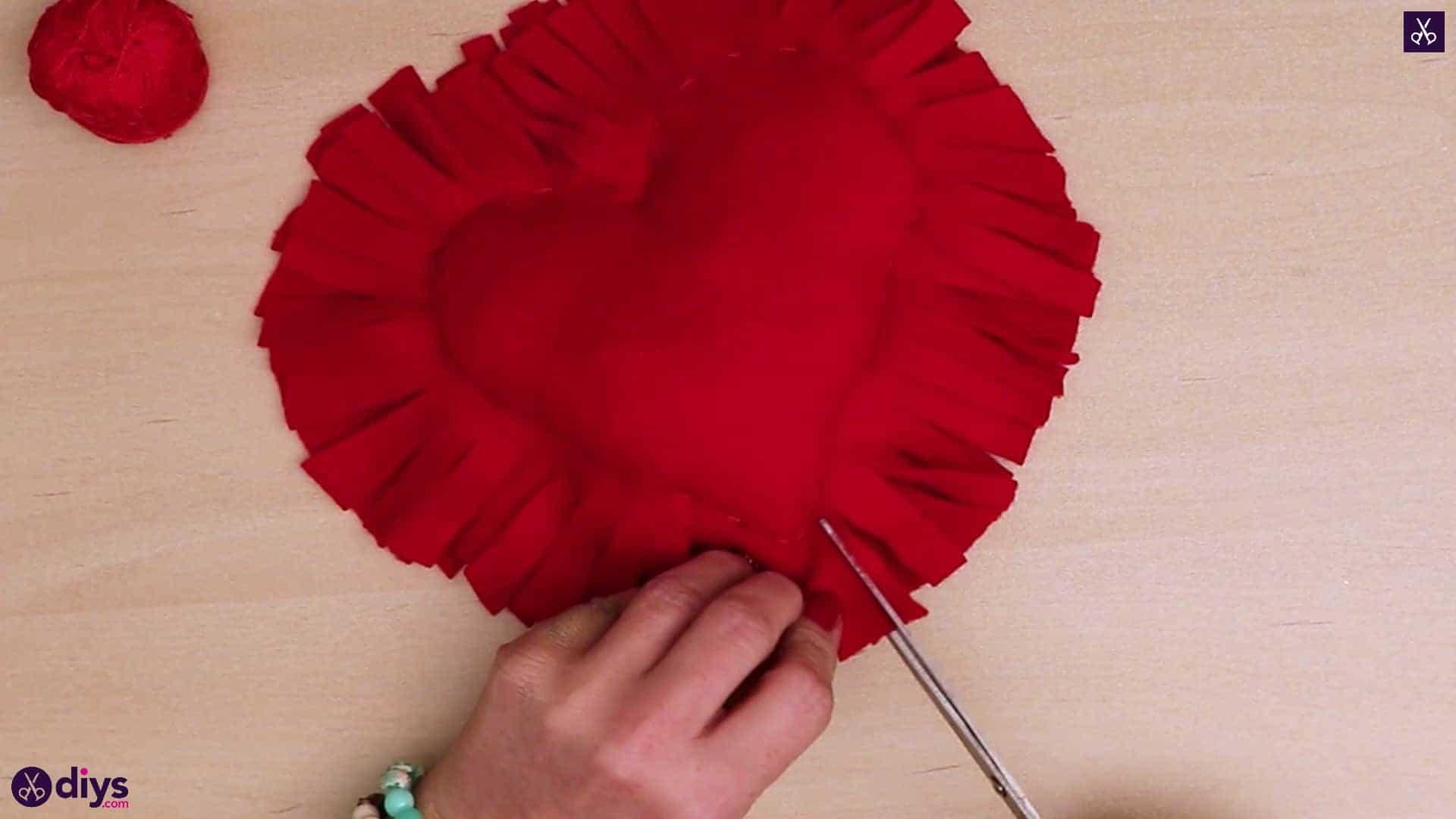 How to make a heart pillow 8d