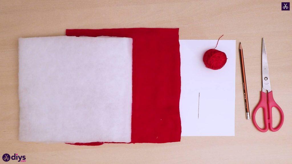 How to make a heart pillow materials