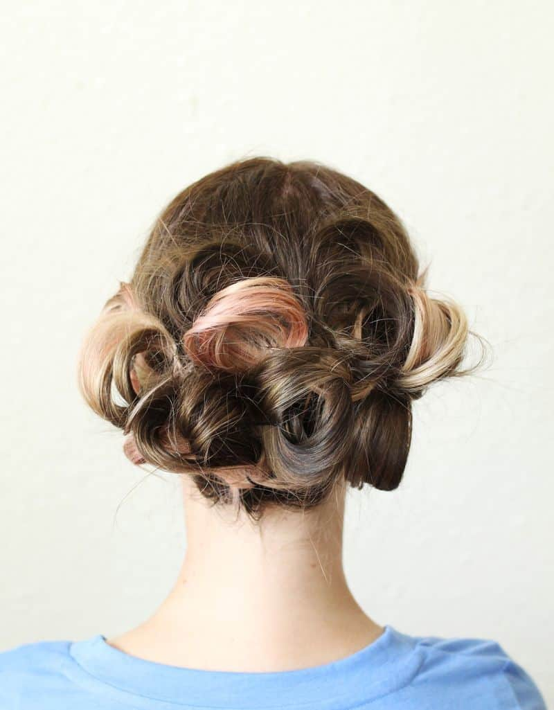 Many twisted buns style