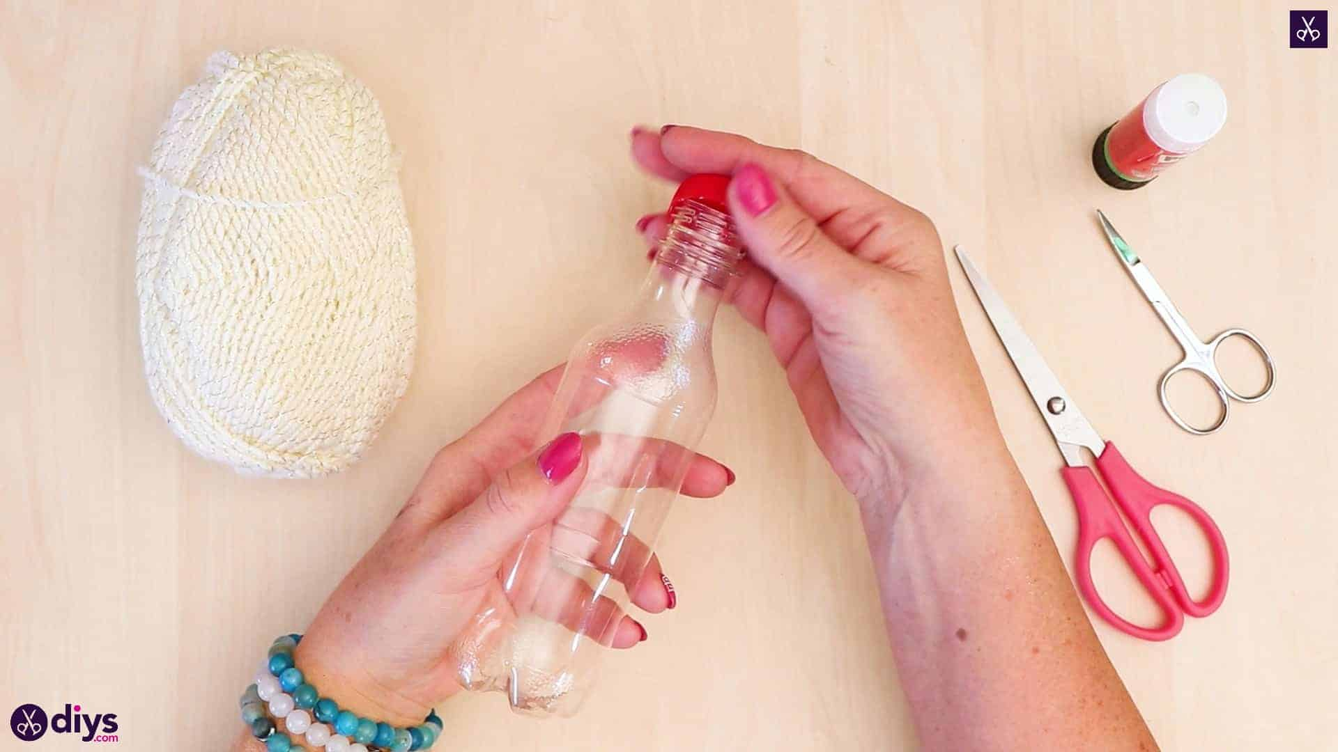 Plastic bottle pom pom ornament prepare bottle