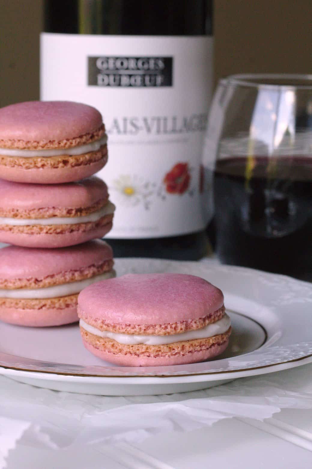 Red wine macarons