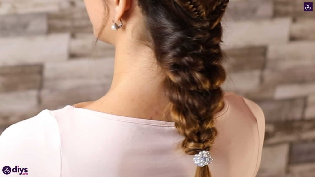 Romantic prom hairstyle diy