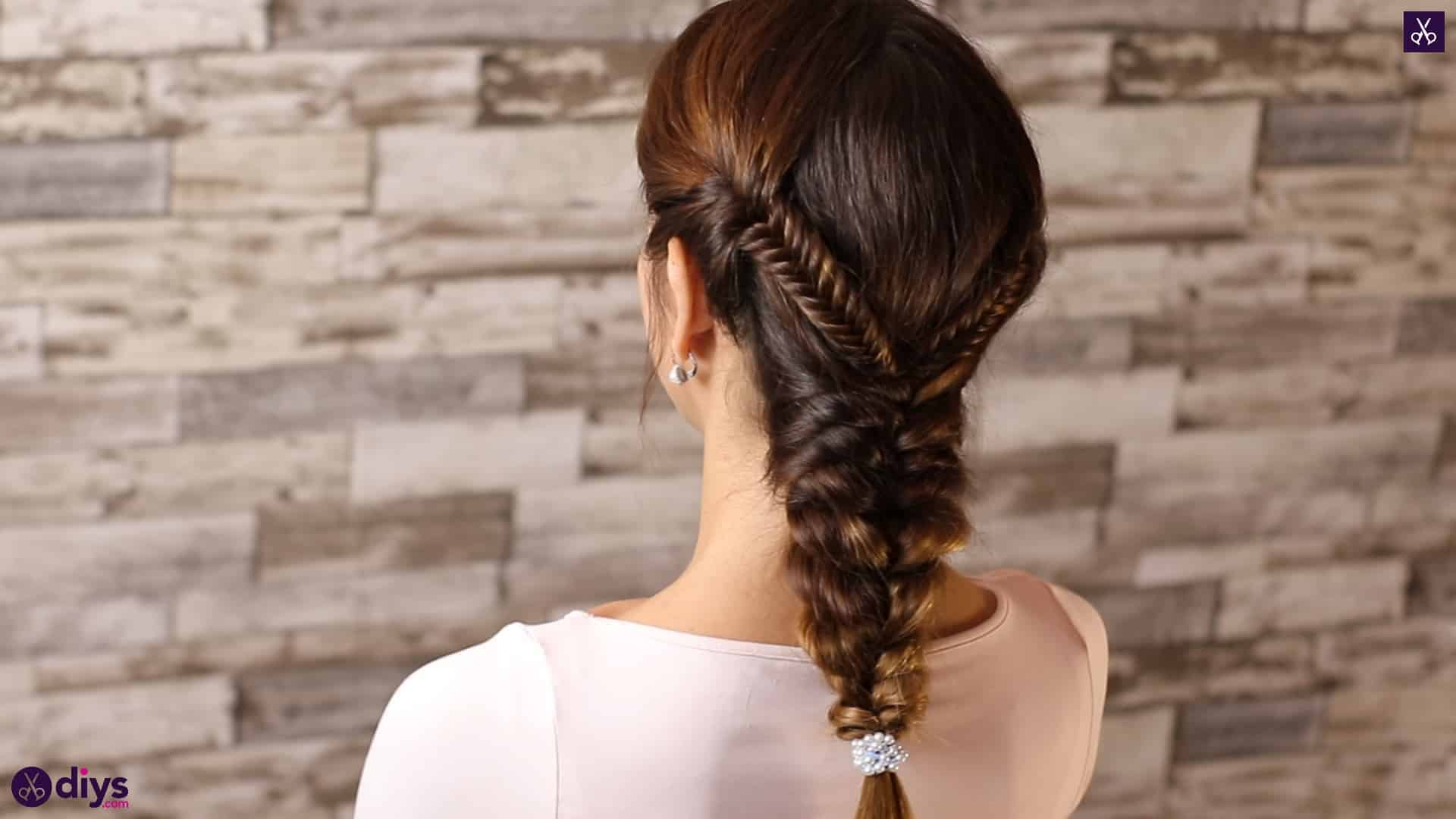 Romantic prom hairstyle tutorial step 1a