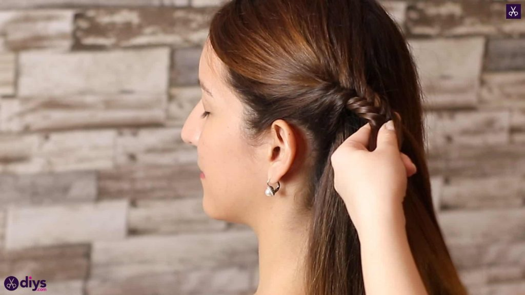 Romantic prom hairstyle tutorial step 1i