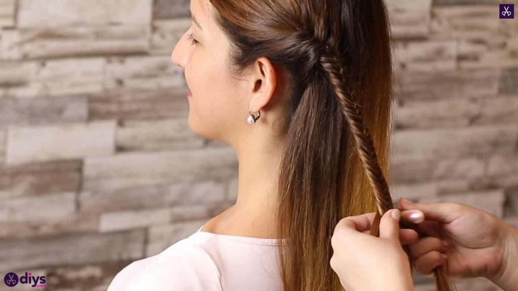 Romantic prom hairstyle tutorial step 1j