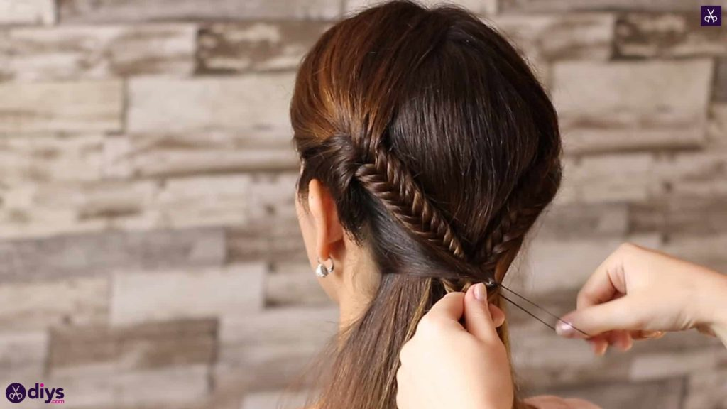 Romantic prom hairstyle tutorial step 3b