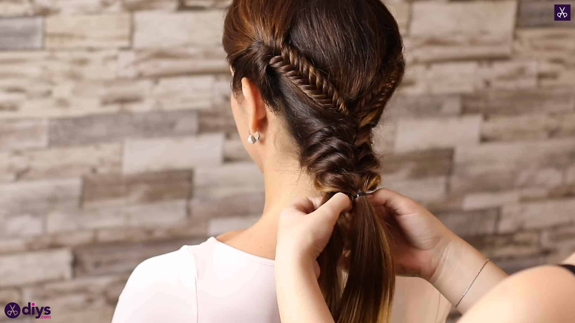 Romantic prom hairstyle tutorial step 4g