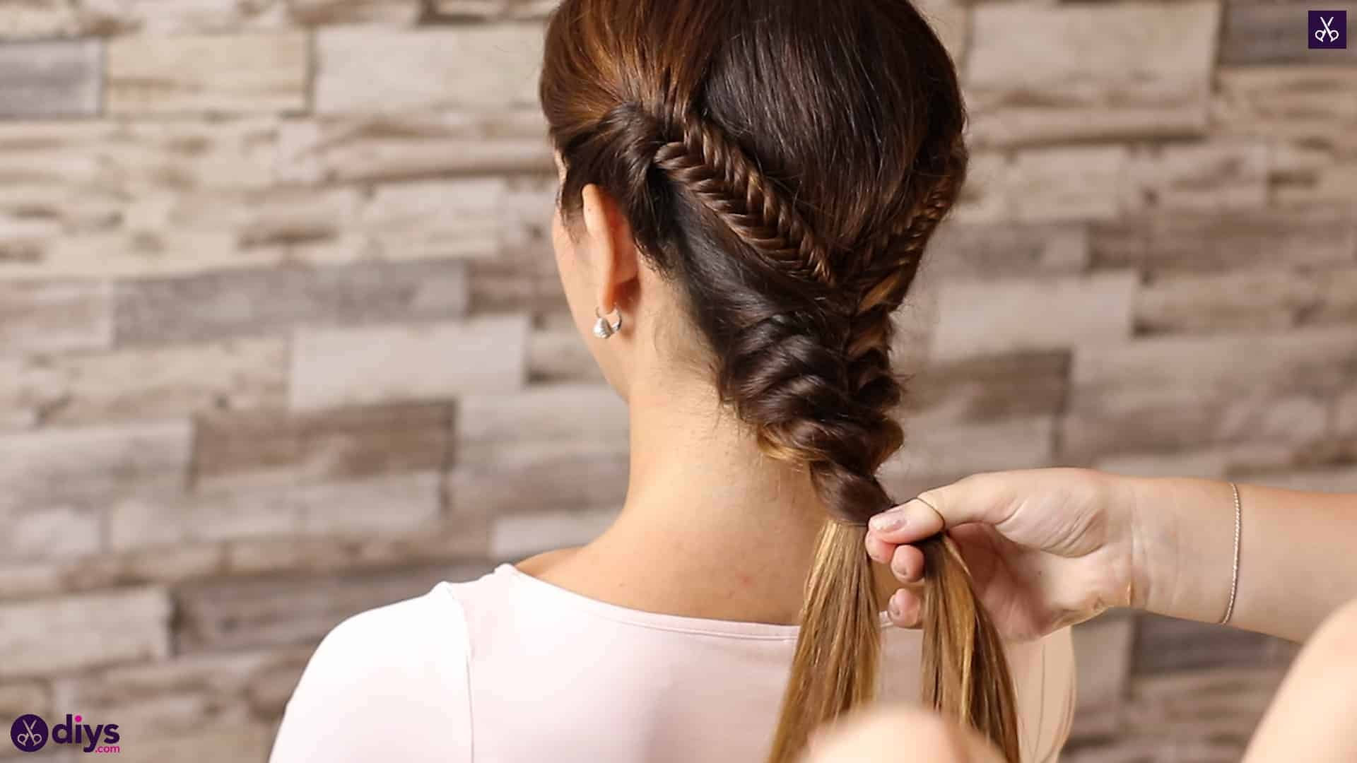 Romantic prom hairstyle tutorial step 4h
